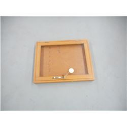 LOCKABLE WOODEN DISPLAY CASE