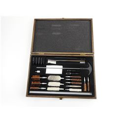CLEANING KIT IN WOODEN BOX