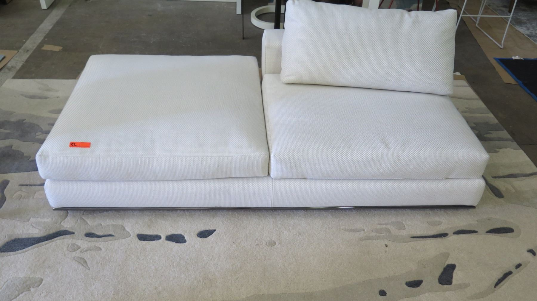 Super White Minotti Sofa Lounger W Cushion Woven Textural Caraccident5 Cool Chair Designs And Ideas Caraccident5Info