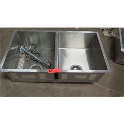 "2-Basin Kitchen Sink 32"" x 18.5"""