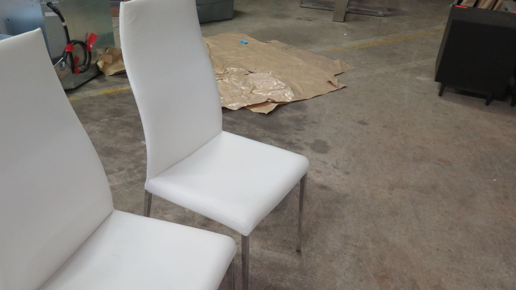 Strange Qty 4 White Leather Chairs From Cattelan Italia 18W 41 5 Ibusinesslaw Wood Chair Design Ideas Ibusinesslaworg