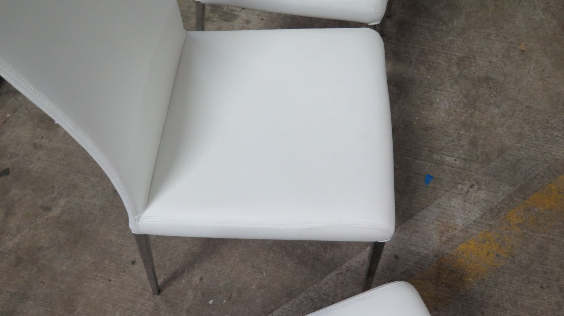 Fine Qty 4 White Leather Chairs From Cattelan Italia 18W 41 5 Ibusinesslaw Wood Chair Design Ideas Ibusinesslaworg