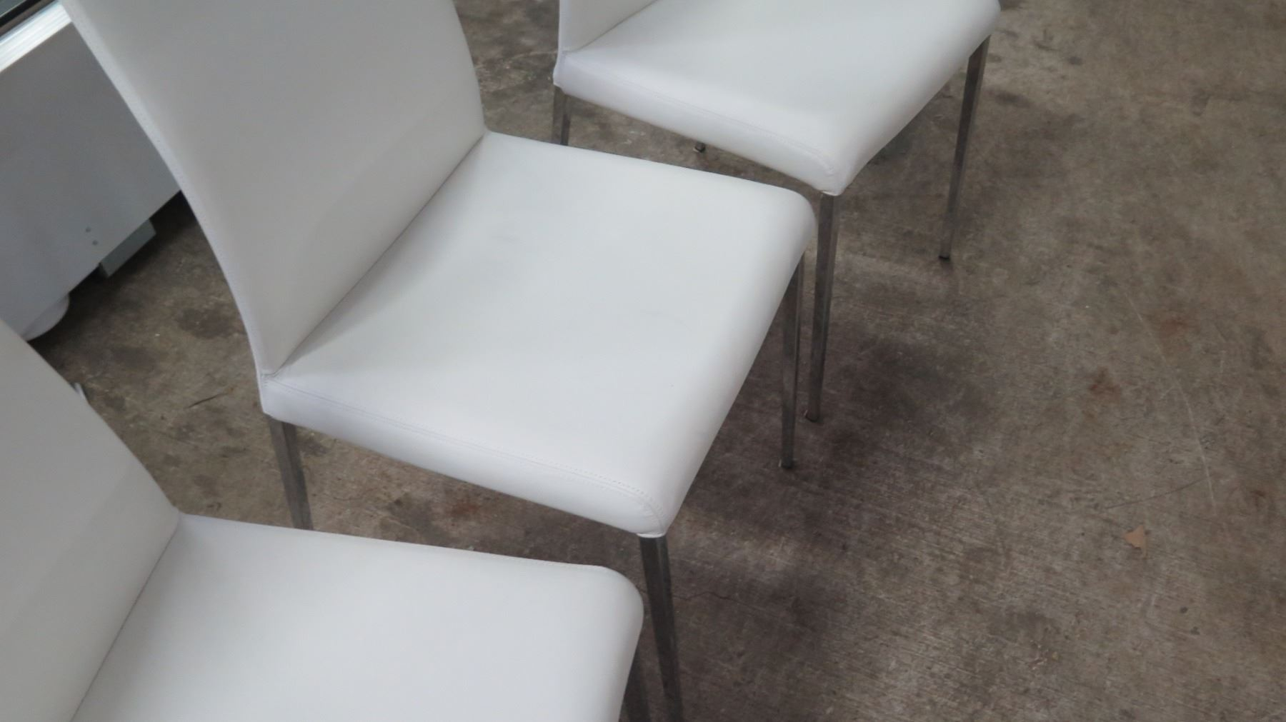 Phenomenal Qty 4 White Leather Chairs From Cattelan Italia 18W 41 5 Ibusinesslaw Wood Chair Design Ideas Ibusinesslaworg