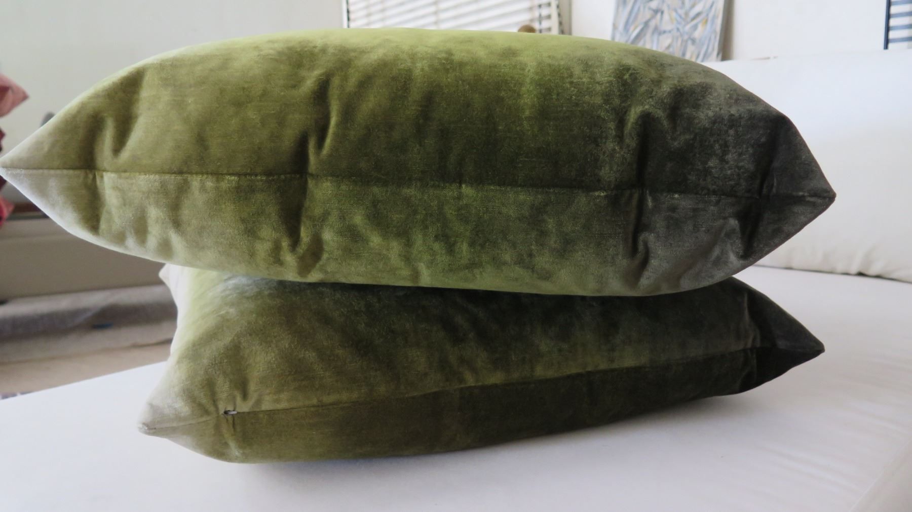 Qty 2 Dark Green Ombre Decorative Accent Pillows Oahu Auctions