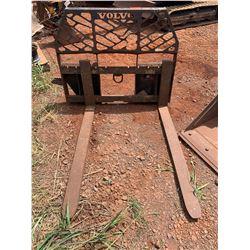 Volvo 17521 Pallet Fork Attachment