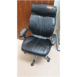Rolling Black Office Chair (has damage to armrests)