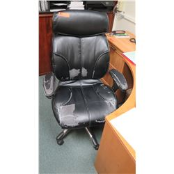 Rolling Black Office Chair (has some damages)
