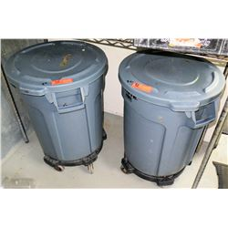 Qty 2 Brute Trash Receptables with Lids and Wheeled Base