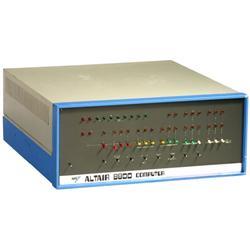 ... und hier ist er: Der 1. Minicomputer der Welt – der  ALTAIR 8800 , Januar 1975