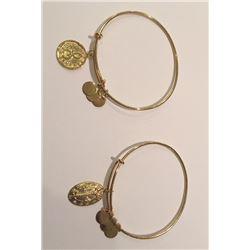 Beautiful 14 KT Solid Yellow   Gold Hoop Earrings