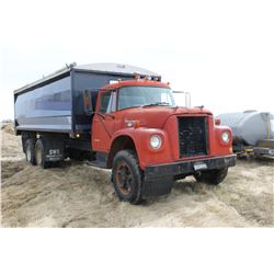 1971 INTERNATIONAL TANDEM 1800 TANDEM GRAIN TRUCK
