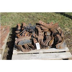 PALLET OF SHOVELS - CHOICE