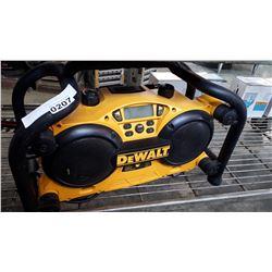 DEWALT DC011 JOBSITE RADIO