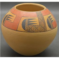 HOPI INDIAN POTTERY VASE (LUCAS)