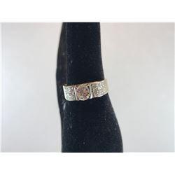 18K YELLOW & WHITE GOLD LADIES RING 1 BRILLIANT CUT DIAMOND & 16 BRILLIANT CUT DIAMONDS - RP