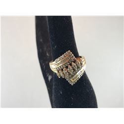 10K YELLOW GOLD LADIES RING WITH DIAMONDS
