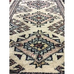 BOKHARA WOOL 2'X1' CREAM, GREY, RED HAND WOVEN PERSIAN AREA RUG