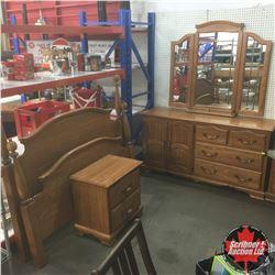 Queen Size Oak Bedroom Suite (Head/Foot Board, Rails, Side Table, Dresser w/Mirror)