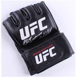 Chuck  Iceman  Liddell Signed UFC Glove (Beckett COA)