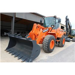 2009 DOOSAN DL200 WHEEL LOADER --VIN/SN:DHKHLAHOV85005205 ::MP BUCKET, FORKS, CAB, A/C, 20.5R25 TIRE