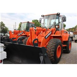 2009 DOOSAN DL200 WHEEL LOADER --VIN/SN:DHKHLAH0A85005203 ::MP BUCKET, FORKS, CAB, A/C, 20.5R25 TIRE