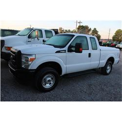 2016 FORD F250 PICKUP TRUCK --VIN/SN:1FT7X2B65GEB87112 ::4X4, EXT. CAB, V8 GAS, A/T, BED COVER, BED