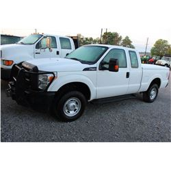 2015 FORD F250 PICKUP TRUCK --VIN/SN:1FT7X2B67FEA41406 ::4X4, EXT. CAB, V8 GAS, A/T, WINCH, BED COVE