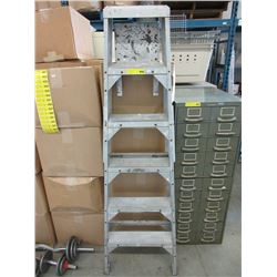 6 Foot Aluminum Step Ladder.