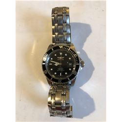 High End Automatic Mens Watcth INVICTA Divers 200meter Like New