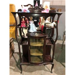 Beautiful Mohagany Queen Anne curio/china cabinet circa 1908 with curved glass doors, mirror and ant