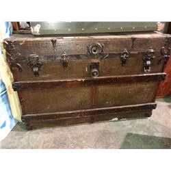 1880's oak and metal shipping trunk