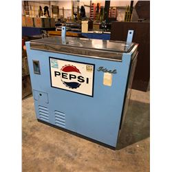 Pepsi chest pop cooler 1960's in very good shape