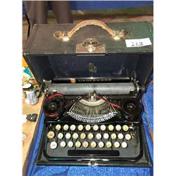 Underwood portable typewriter in very good shape