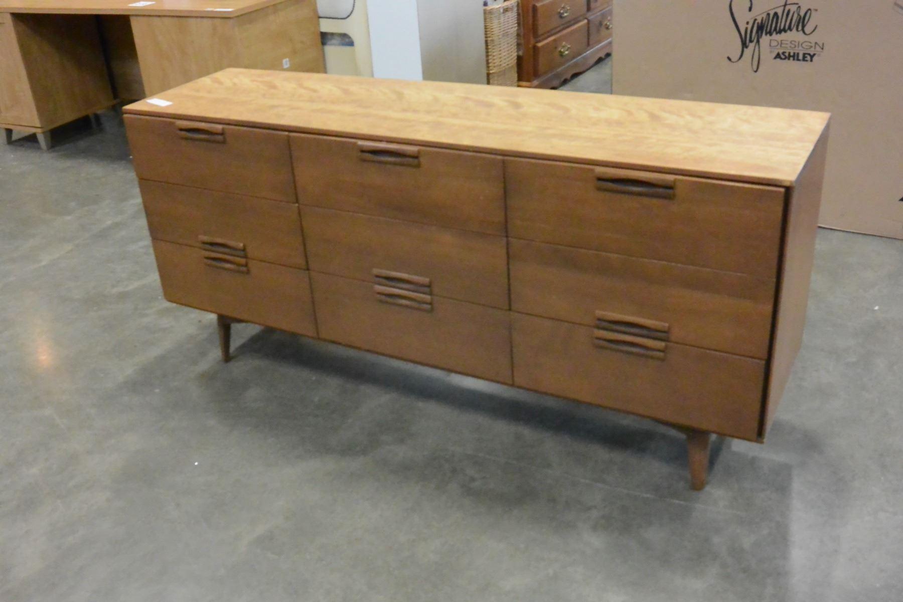Image of: Mid Century Modern 9 Drawer Walnut Dresser Made In Canada