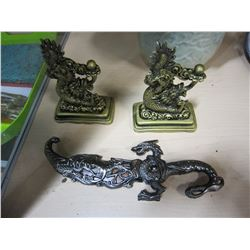 2 EASTERN BOOK ENDS OF DRAGONS AND SMALL DECORATIVE KNIFE