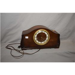 Walnut cased electric Seth Thomas mantle clock, working at time of cataloguing