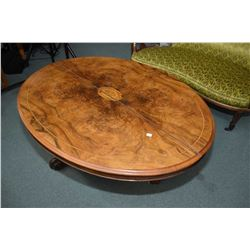 Antique Victorian matched grain burl walnut center pedestal tilt top loo table with inlaid center pa