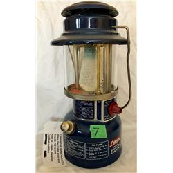 COLEMAN GAS LAMP MODEL 321A, DATED 1975, AS NEW - CANADA