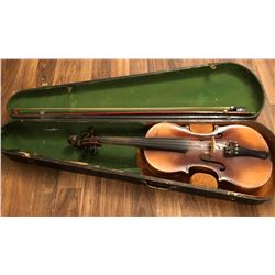 VIOLIN WITH BOW & CASE, COPY OF STRADIVARIUS