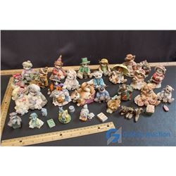Box of Calico Cats Decorations & Misc