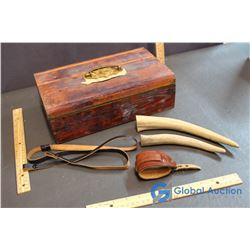 Wooden Lined Hand Gun Box w/Leather Straps & Antlers