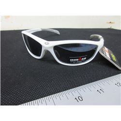 New Foster Grant Iron Man Sunglasses with 100% Max Block uva-uvb protection