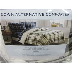 New Twin Down Alternative Comforter / Awesome for watching TV super soft