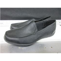 New Mens slip on Shoes black size 12