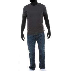 """Cade Yeager"" gray t-shirt and jeans ensemble from Transformers: Age of Extinction."