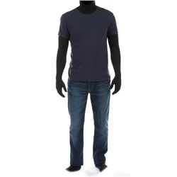 """Cade Yeager"" navy blue t-shirt and jeans ensemble from Transformers: Age of Extinction."