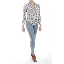 """""""Tessa Yeager"""" floral shirt and jeans ensemble from Transformers: Age of Extinction."""