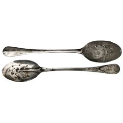 Small silver spoon, intact, from HMS Colossus (1798), rare provenance.