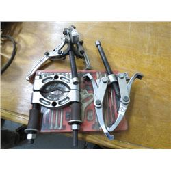 2 GEAR PULLERS, BEARING CLAMP  & (CASE W/PULLER)