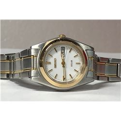 19) SEIKO SOLAR WATCH